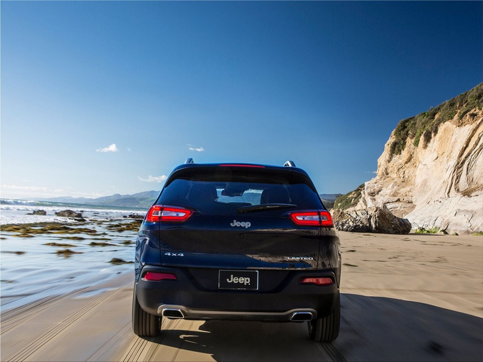 The 2.4 Liter Tigershark MultiAir 2 I 4 Engine Comes Standard In The  All New 2014 Jeep Cherokee. The 2.4 Liter Tigershark Engine Offers Up To An  31 Mpg ...