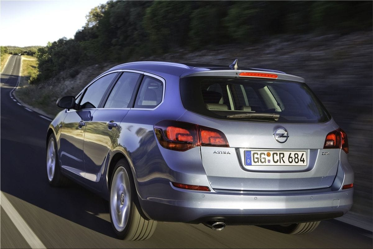 Opel Astra Sports Tourer athletic driving experienceOpel car pictures