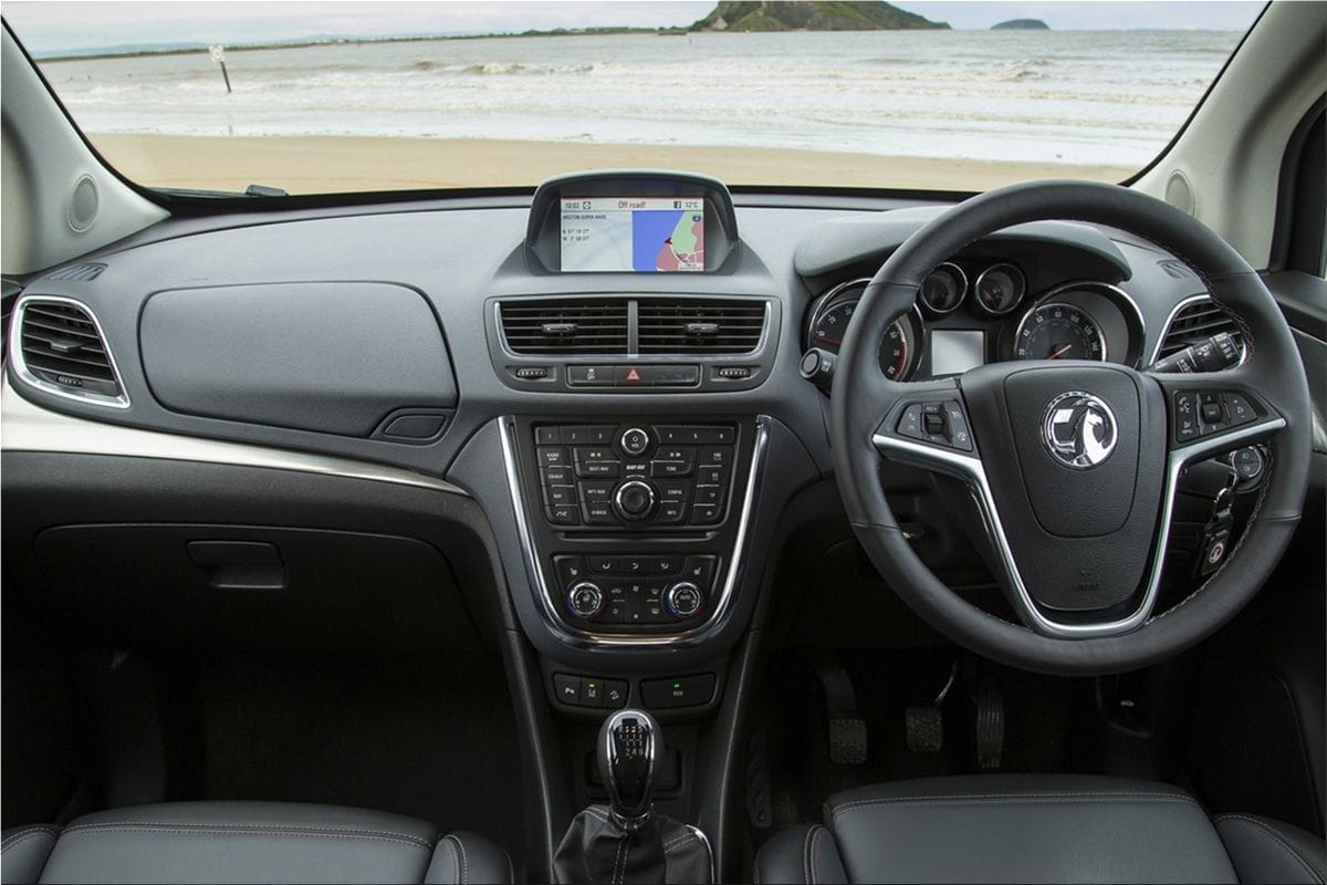 vauxhall mokka still practical and user friendly vauxhall car pictures. Black Bedroom Furniture Sets. Home Design Ideas