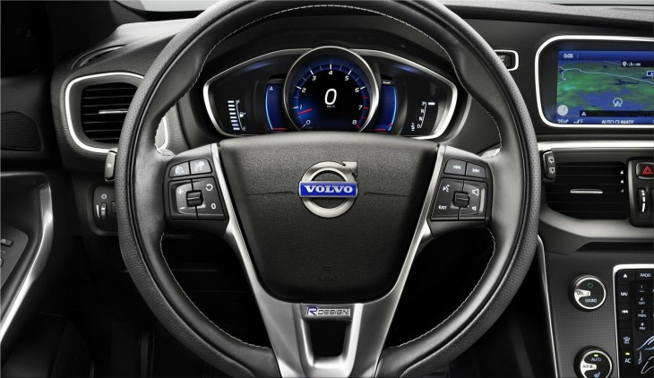 Volvo V40 R-Design interior