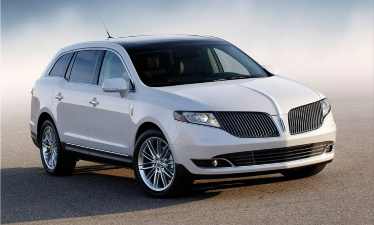 2013 Lincoln MKT full-size crossover