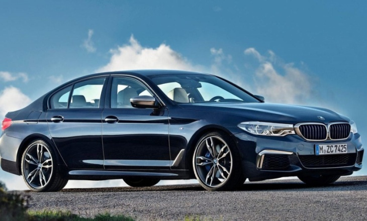 BMW M550i xDrive - business sedan