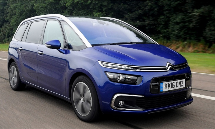The Citroën boss reveals information on the next C4