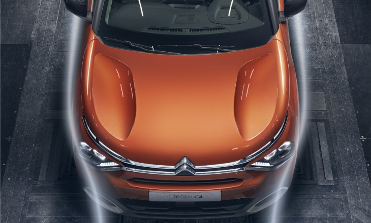 The new Citroen C4 compact hatchback and the e-C4 electric