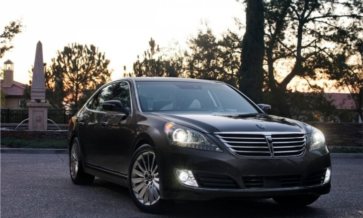 The new 2014 Hyundai Equus premium luxury sedan