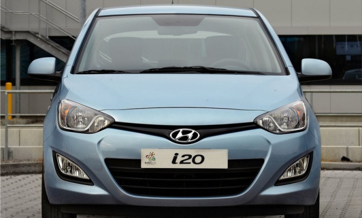 2013 Hyundai i20 five-door hatchback