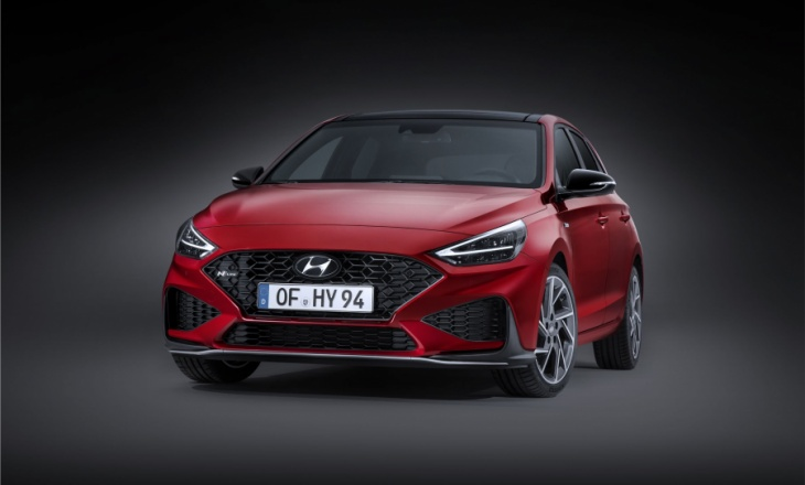 Hyundai i30 N restyled with an automatic gearbox