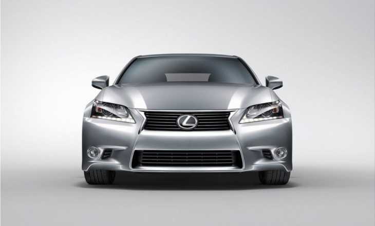 Lexus GS 350 mid-range sedan