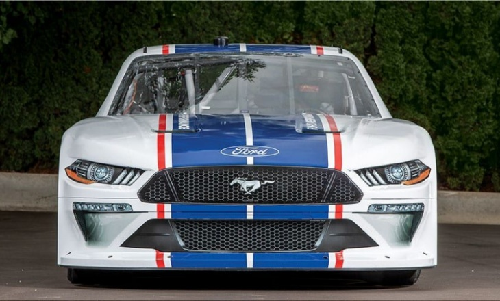 Ford unveils the Mustang for the Nascar Xfinity Series