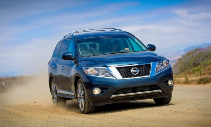 Nissan Pathfinder SUV best-in-class fuel economy