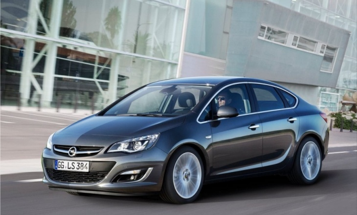A new sporty and stylish Opel Astra Sedan