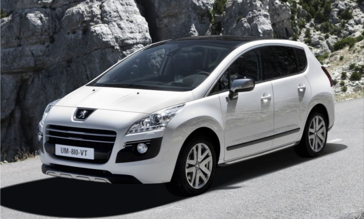 2012 Peugeot 3008 HYbrid4 fuel efficient