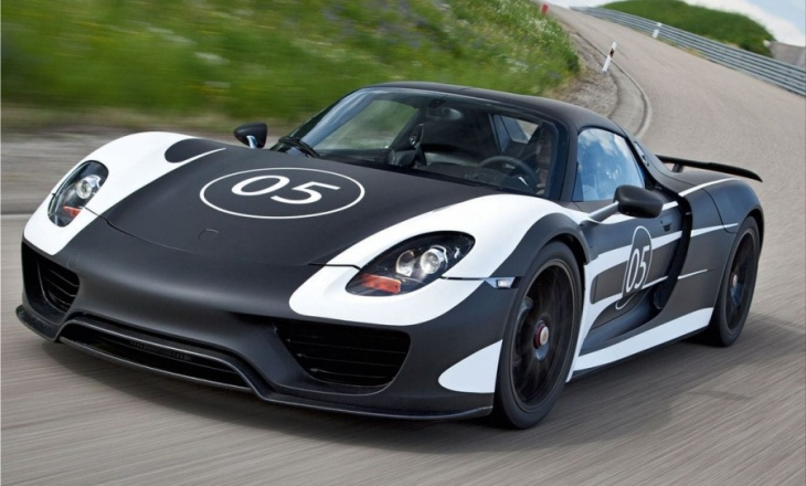 Porsche 918 Spyder - super sports car of the future