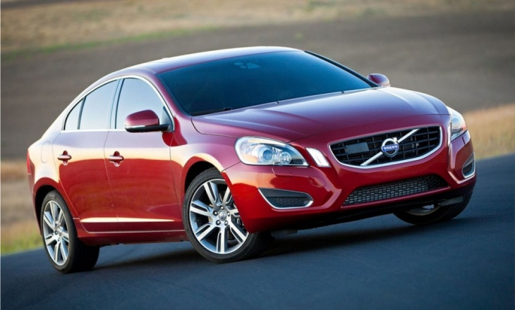 Volvo S60 with Pedestrian Detection