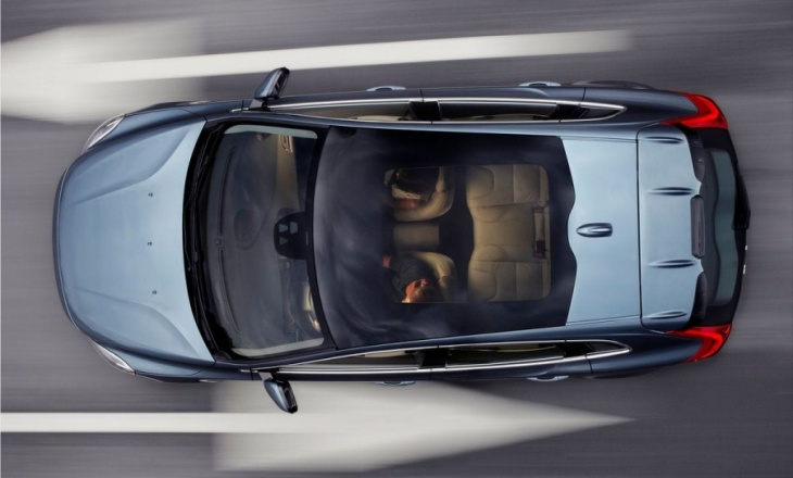 Volvo V40 - wrapped in a sleek, compact package